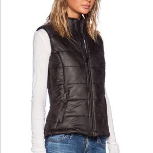 Monrow Soft Vegan Leather Puffer Vest Size Small